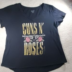 Guns n' roses 2015 v-neck shirt